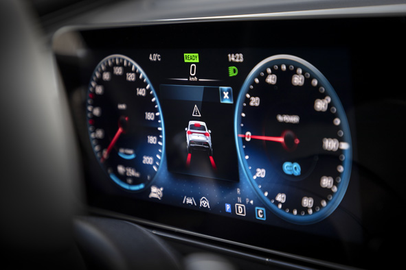 Mercedes EQC 400 4Matic - Autopraxistest