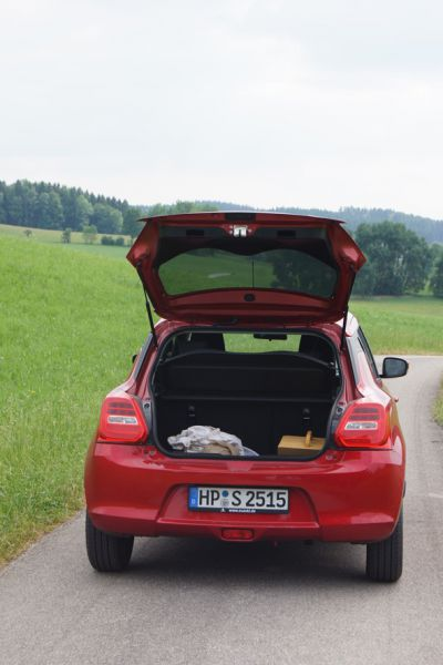 Der Kofferraum Reicht Fur Das Wochenendgepack