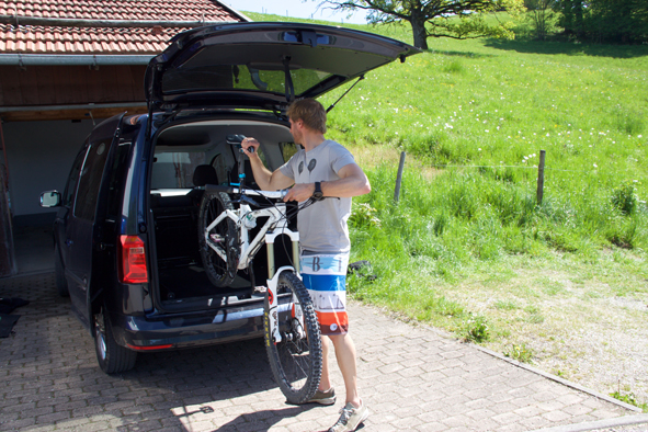 neuer vw caddy bluemotion autopraxistest. Black Bedroom Furniture Sets. Home Design Ideas